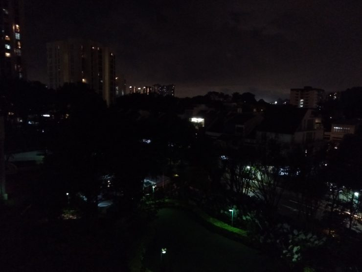 Sample Shot B (night) on the Realme 2