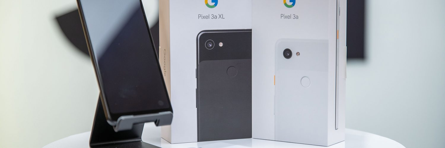 Google Pixel 3a in White and 3a XL in Black