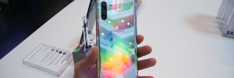 Galaxy Note10 in Aura Glow