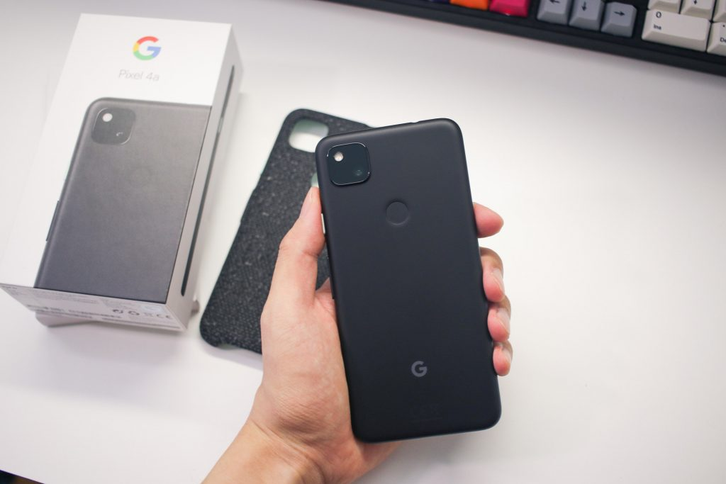 Polycarbonate unibody of the Pixel 4a
