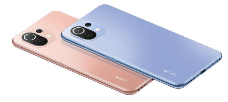 Xiaomi Mi 11 Lite in Peach Pink and Bubblegum Blue